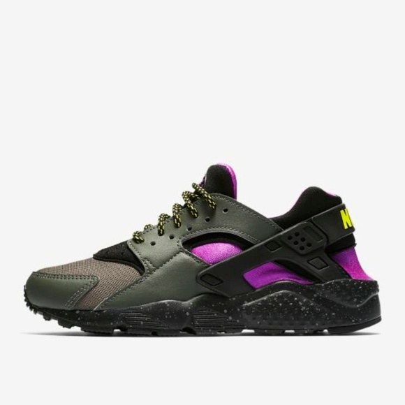 official photos f228d c60f9 NIKE AIR HUARACHE. M 5b228ce92e14785126faf4d8